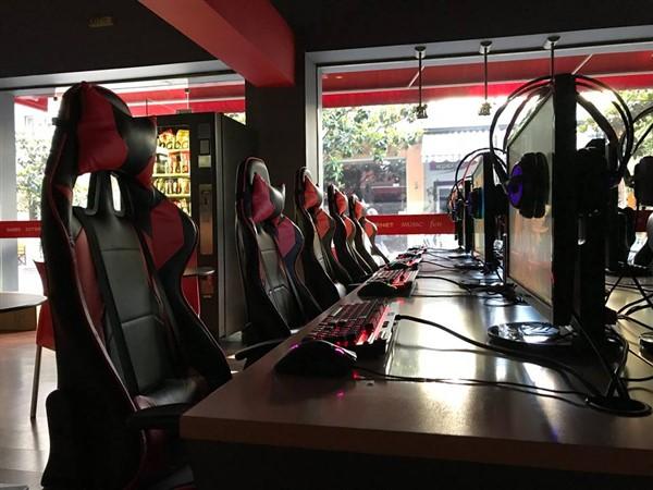 GAMING internet cafe